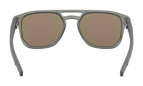 main_oo9436-0654_latch-beta_matte-grey-ink-prizm-sapphire-polarized_019_144967_png_heroxl